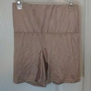 Hanes 100% cotton 2X nude shapewear